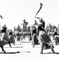 Танец :: Сергей Михайлов