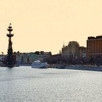 Утро над Москвой рекой... :: марк