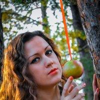 Белоснежка в лесу :: Анастасия Жигалёва