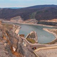 Плотина, Юмагузинская ГЭС :: Любовь Потеряхина