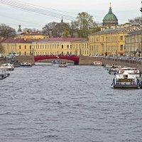 Красный мост на реке Мойке :: Сергей Григорьев