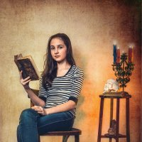 Девочка с книгой. :: Виктор Седов