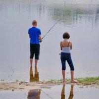Ты рыбачка- я рыбак. Я на речке- ты на суше- мы не встретимся никак :: yuri zaitsev