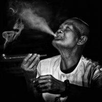 Курить люблююю... :: Roman Mordashev