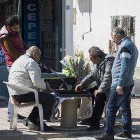 Когда нет покупателей или досуг турецких мужчин :: Алексей Ярошенко