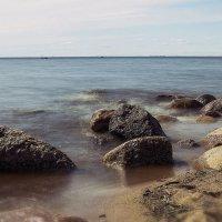 Прибой в камнях :: Valerii Ivanov