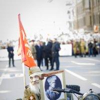 Деда едет на парад. Питер 9 мая. :: Любовь