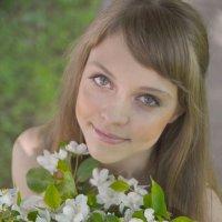 Яблоневый цвет :: Женя Рыжов