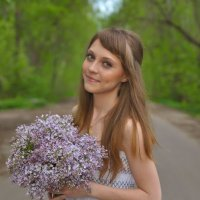Вика и Сирень :: Женя Рыжов