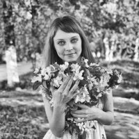 Яблони в цвету :: Женя Рыжов