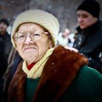 Митингующая бабушка :: Анастасия Копко