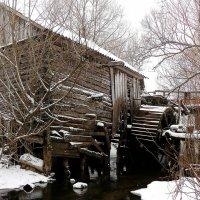Зимняя гравюра.(Старая мельница) :: Александр Герасенков