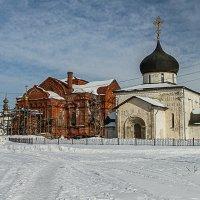 Вид на Троицкую  церковь и Георгиевский собор(белый) :: Екатерина Рябцева