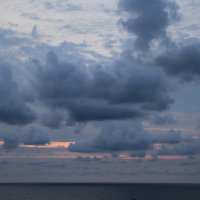 раннее утро над морем :: valeriy g_g