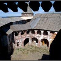 Внутренний дворик Соловецкого монастыря. :: Ира Егорова :)))