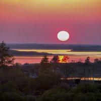 Закат на Амуре, вид с балкона ! :: Евгений Ананевский