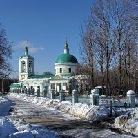 Зима.Храм Троицы Живоначальной :: галина северинова