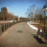 Прогулка по Нетеченской набережной после полудня ... :: Игорь Найда