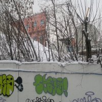Красная бездомная стена. :: Ник Скатнеп