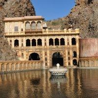Храм в горах :: сергей гайтанов
