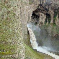 Водопад Тузлук-Шапа. Урочище Джилы-Су. Кабардино-Балкария. :: Юлия Бабитко