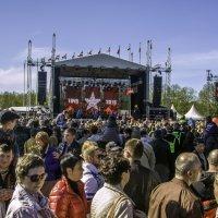 9 мая, памятник Освободителям Риги :: Gennadiy Karasev