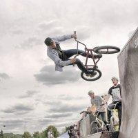 Ещё прыжок :: Виктор (victor-afinsky)