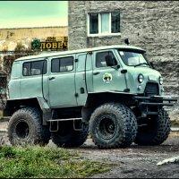 УАЗ-внедорожник :: Николай Емелин