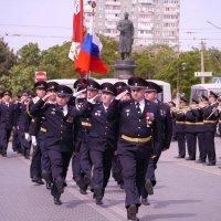 Торжественным маршем... :: Андрей Козлов