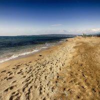Крымский пляж ... пока ещё пустой :: Алексадр Мякшин