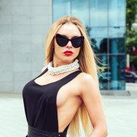 /// :: Nina Zaitseva
