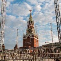 Необычный вид на Спасскую башню. :: Евгений Поляков