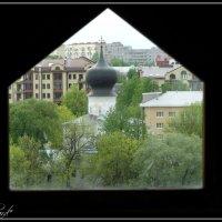 Вид через окошко Власьевской башни. Псков. :: Fededuard Винтанюк