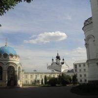 Монастырь в Подмосковном городе Дзержинский :: Ольга Кривых
