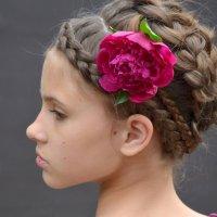 французская коса с пионом :: Юлия Москаленко
