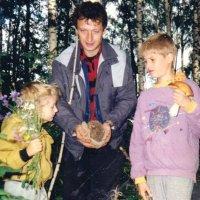 Прогулка в лес... цветы... грибы... и ёжик!))) :: Наталья Лебедева