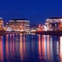 Вечернее преображение города :: Alex