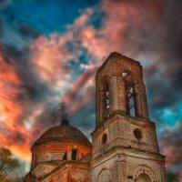 Церковь Феодоровской иконы Божией Матери в селе Лукьяново :: Наталья Золотарева