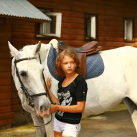 Юная любительница лошадей :: М. Дерксен Derksen
