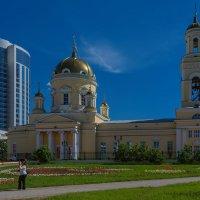 Контрасты Екатеринбурга :: vladimir