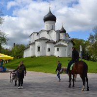 Псков. Церковь Василия на Горке :: Наталья Левина