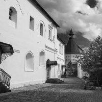 Монашеские кельи (Новоспасский монастырь. Москва) :: Сергей Фомичев