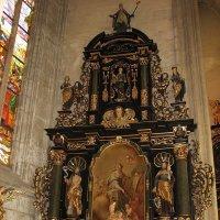 Интерьеры собора Св. Варвары. Боковой алтарь :: Елена Смолова