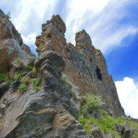 Неприступные руины :: M Marikfoto