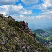 горы. над Чимбулаком :: Горный турист Иван Иванов