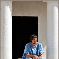 Жрец на пороге храма :: Irina-77 Владимировна