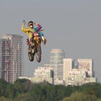 Мотофристайл в городском интерьере 5 :: Андрей Синявин