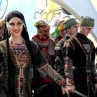 Восточные красавицы Фото №4 :: Владимир Бровко