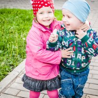 детская любовь :: Valery Bogatireva