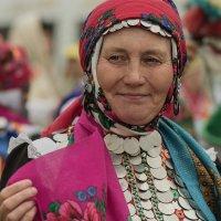 Портрет женщины в национальной марийской одежде :: Елена